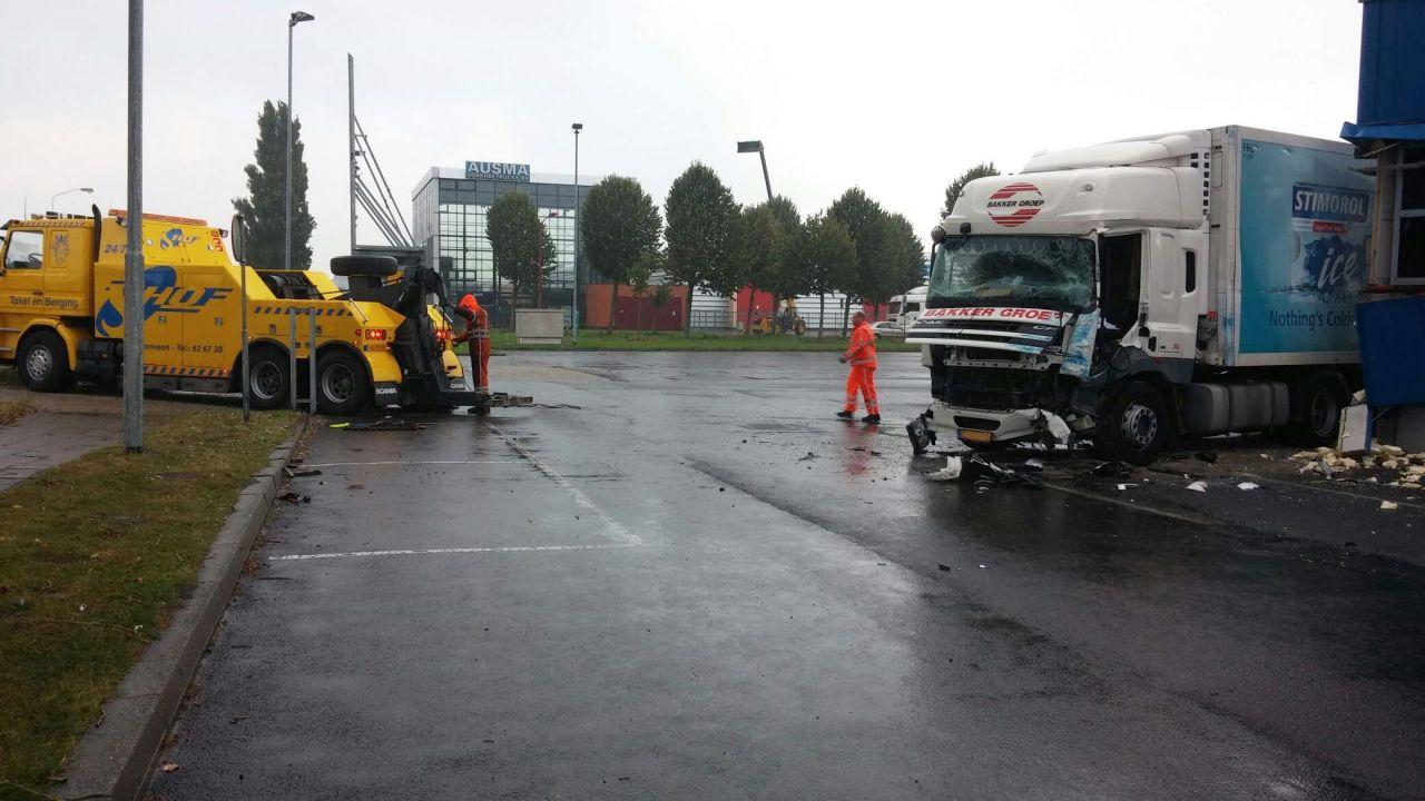 Vrachtwagenchauffeur overleden na ongeval