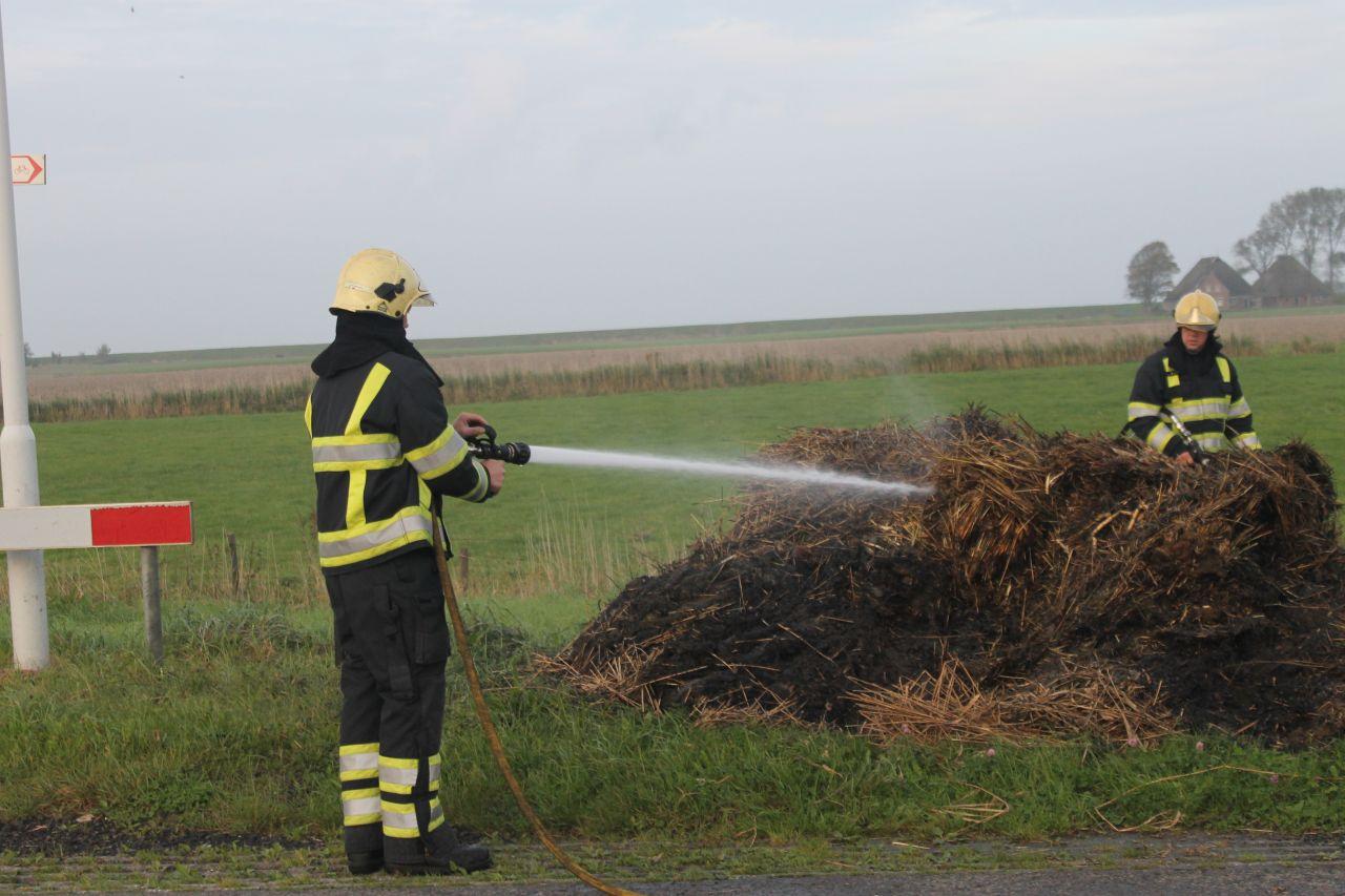 Brandweer in actie voor afvalbrand