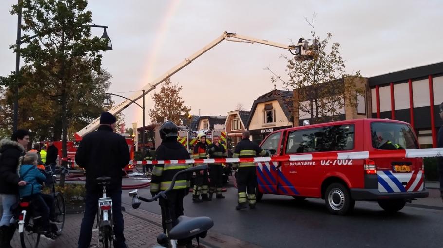 Twee gewonden bij forse brand in Drachten