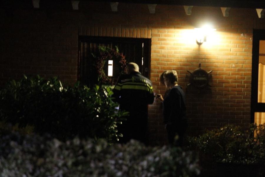 Ouder echtpaar overvallen in woning