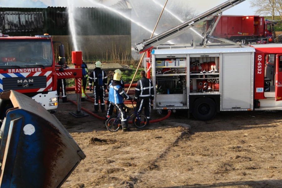 Grote brand in stal