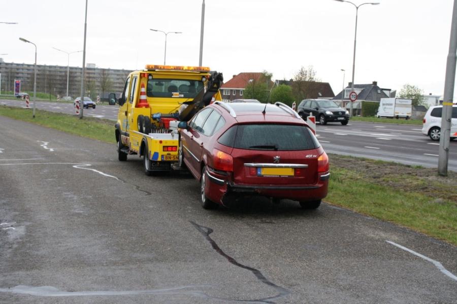112kort Leeuwarden: autobrand en aanrijding