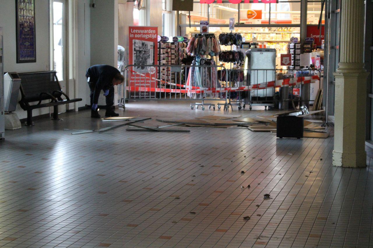 Dak van stationshal ingestort