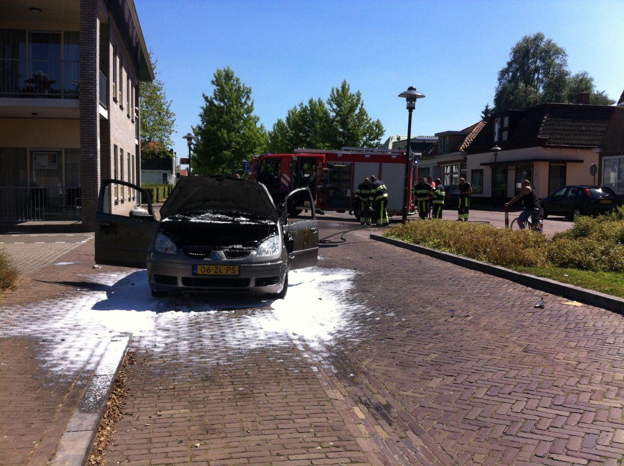 Auto uitgebrand na boodschappen doen