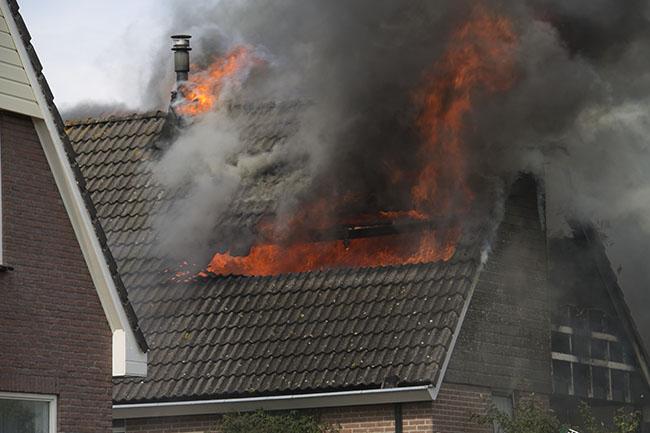 Bovenverdieping woonhuis door brand verwoest