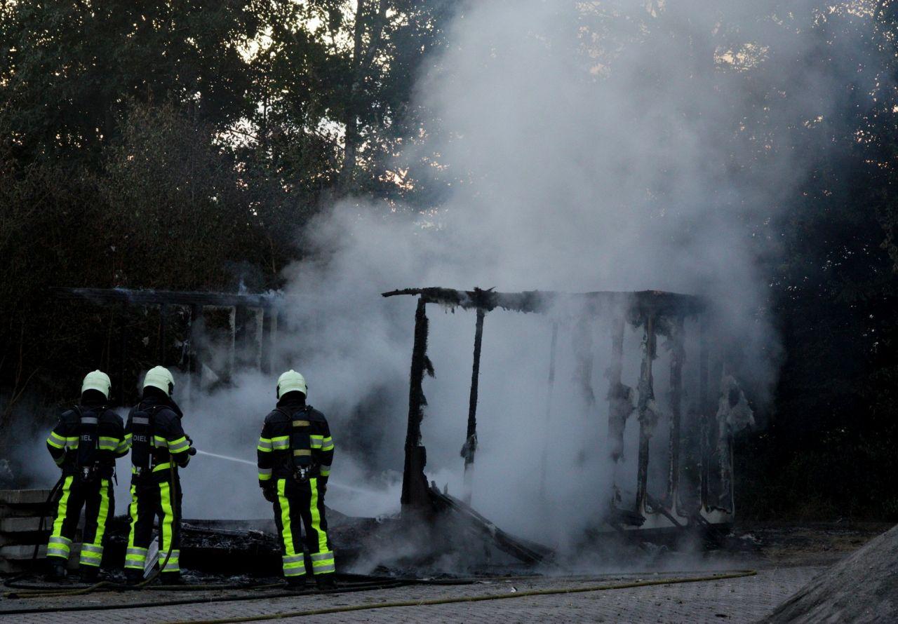 Bouwkeet door brand verwoest
