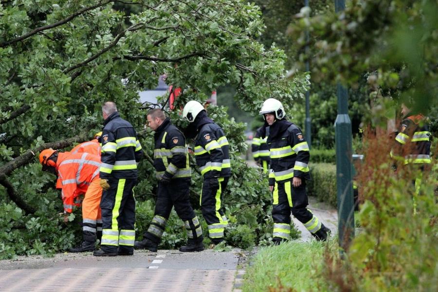 [23:00]Overzicht stormschades Noord-Oost Friesland