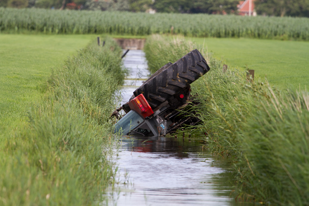 Vader en twee kinderen gewond na ongeval met tractor