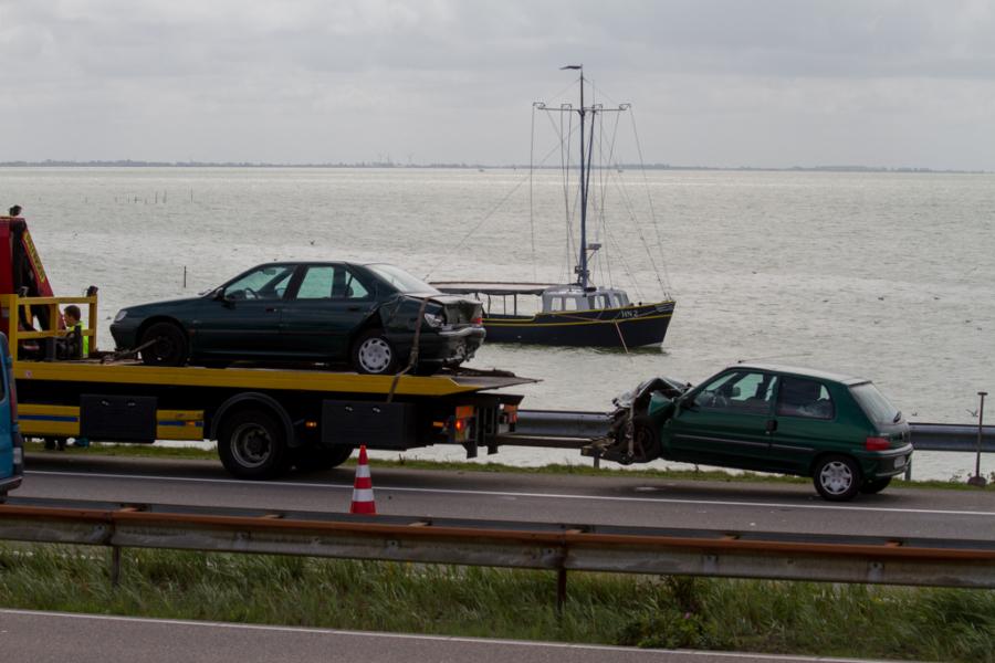 Geen gewonden bij ongeval Afsluitdijk