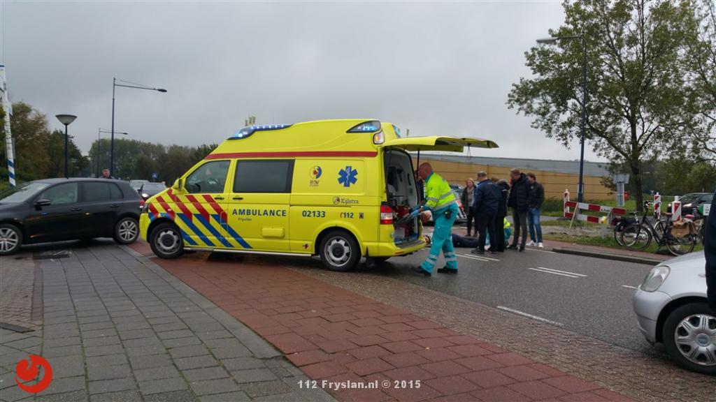 Fietsster gewond na aanrijding met auto