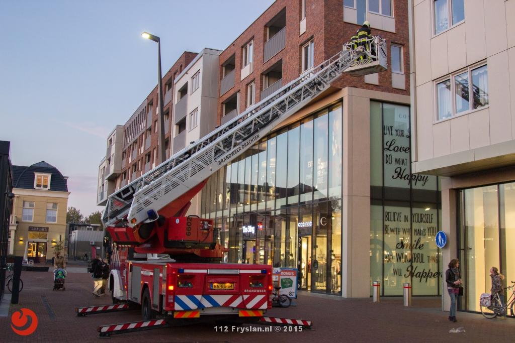 Brandweer haalt kat van uitbouw