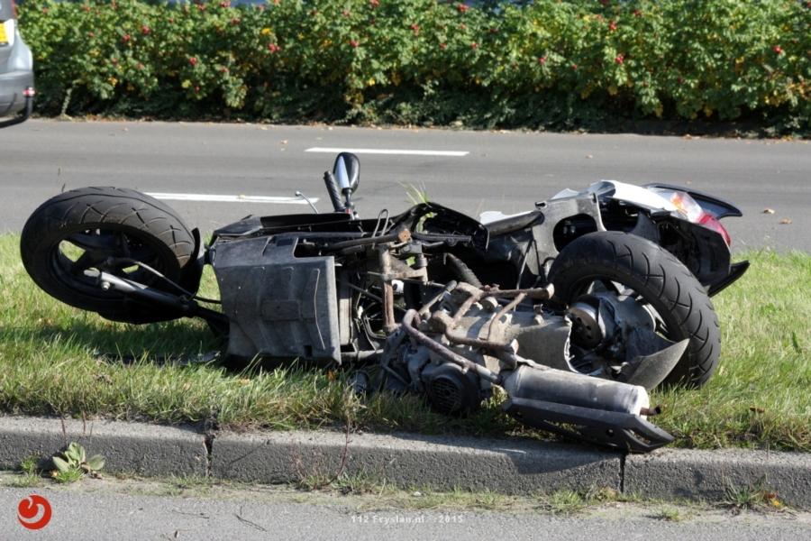 Scooterrijder ernstig gewond in Burgum