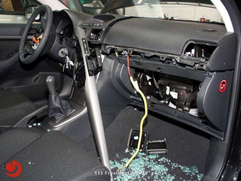 Opnieuw auto's opengebroken voor airbags