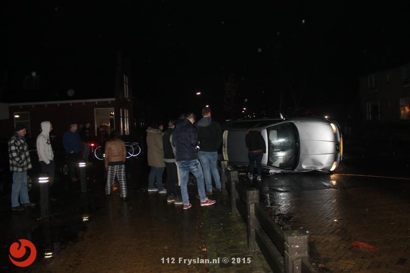 Bestuurder richt veel schade aan door ongeval