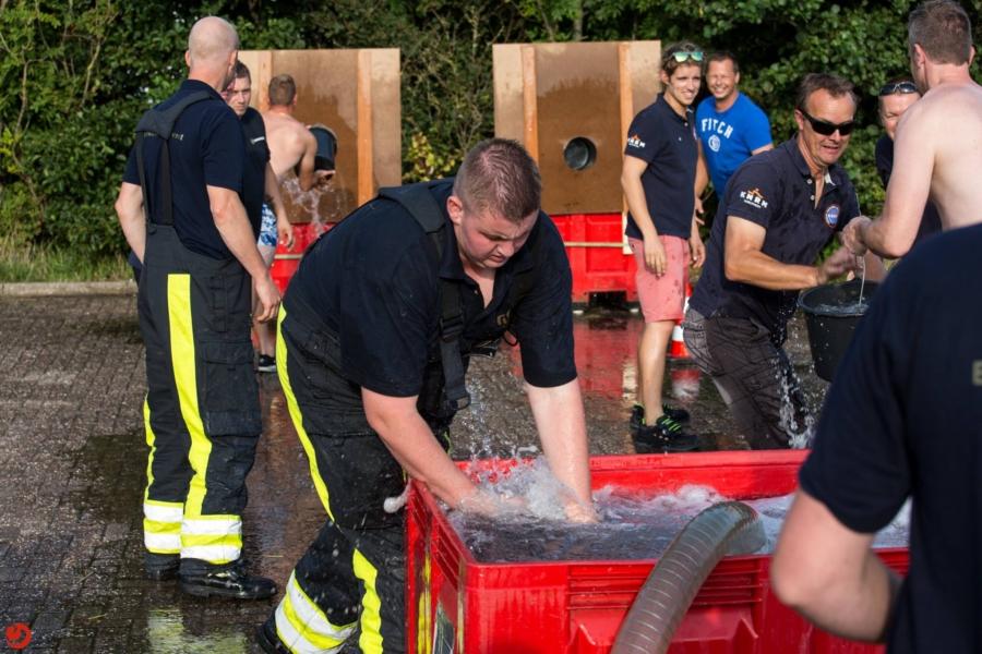 Brandweer Gytsjerk wint brandweer estafette in Harlingen