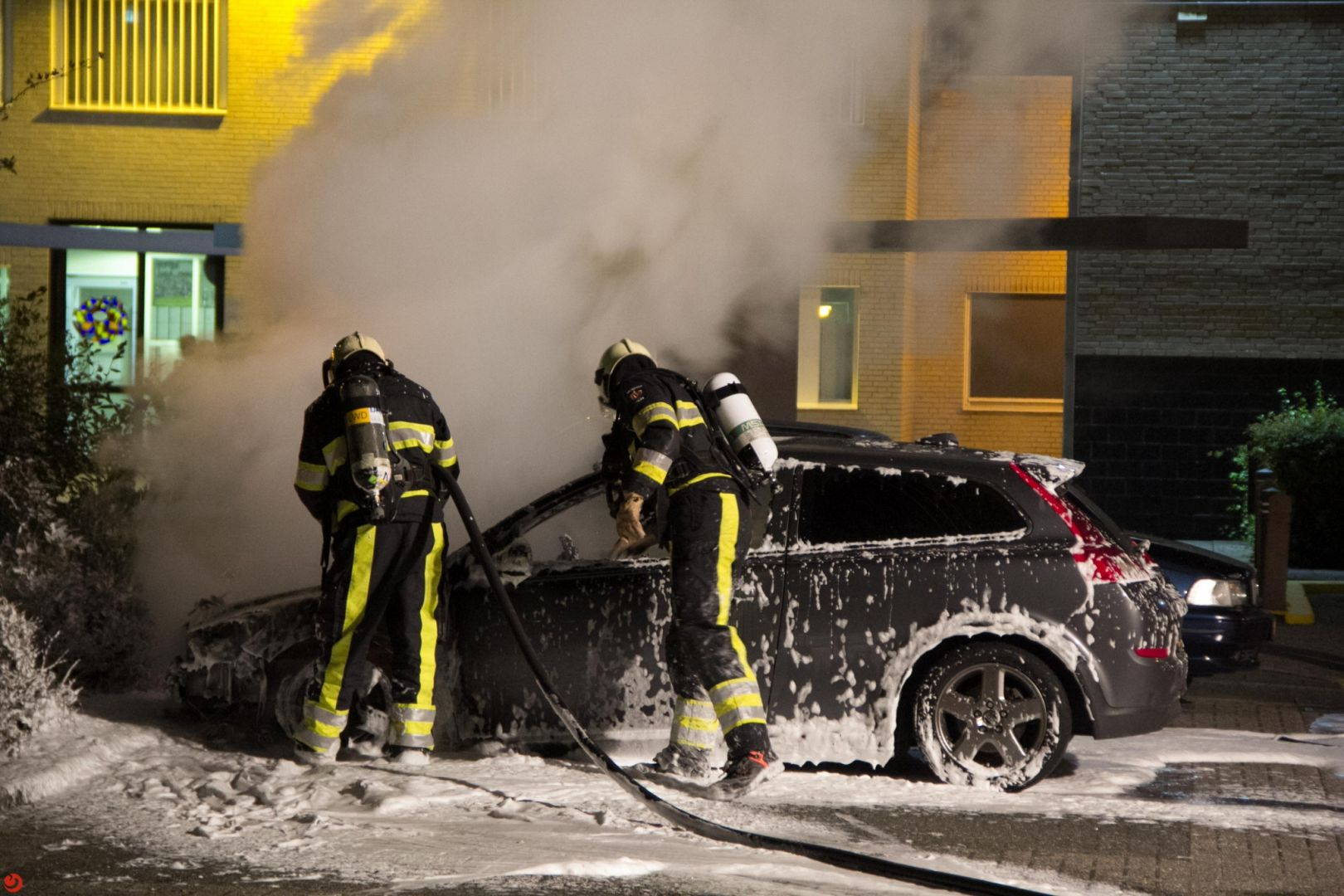 Auto in brand gestoken bij gevangenis