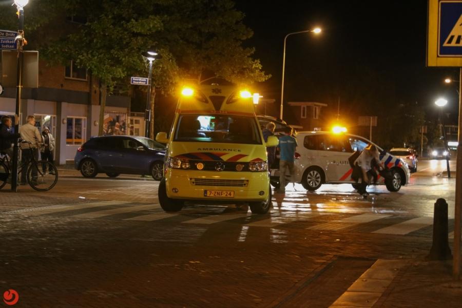Pizzakoerier gewond na aanrijding met auto