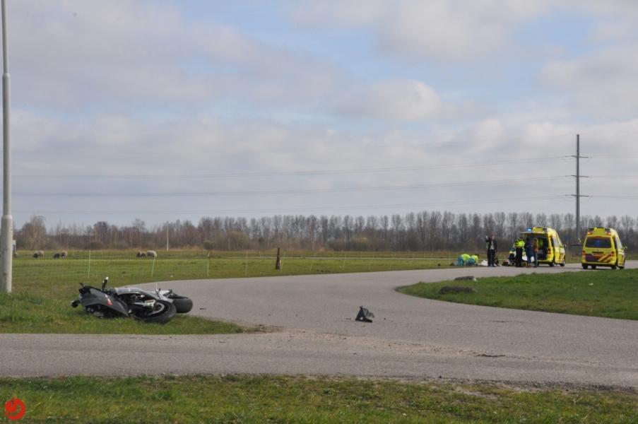 Motorrijder zwaargewond na eenzijdig ongeval