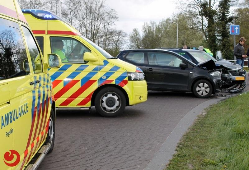 Automobilist(e) gewond bij verkeersongeval op kruising