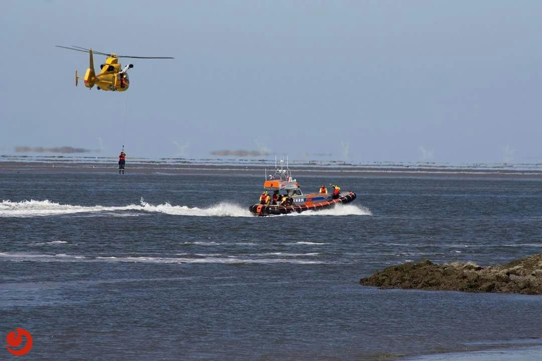 Dode bij omgeslagen boot nabij Vlieland