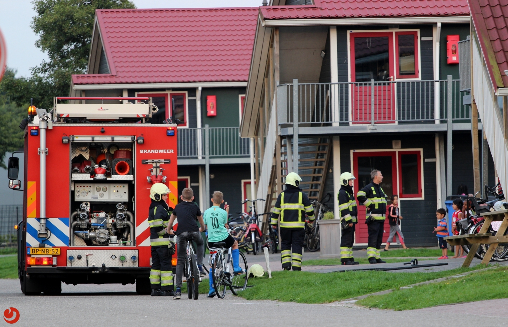 Bewoner AZC blust brand in afzuiging