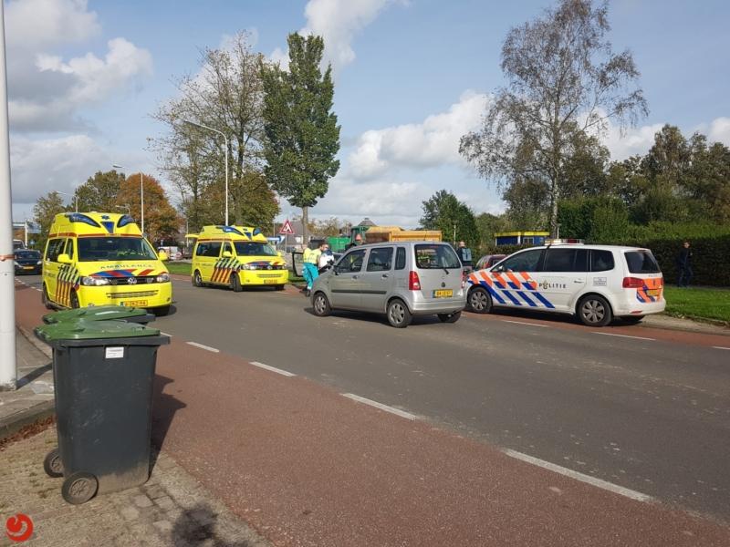 Twee gewonden na aanrijding met tractor