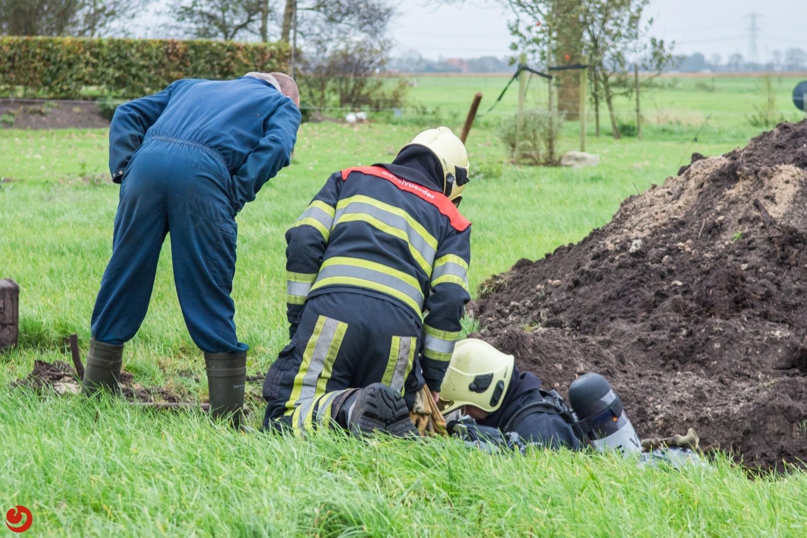 Gasleiding geraakt bij graafwerkzaamheden in tuin Oldelamer