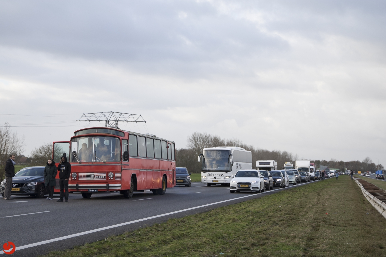 Lange file op A7 door klemgereden bussen