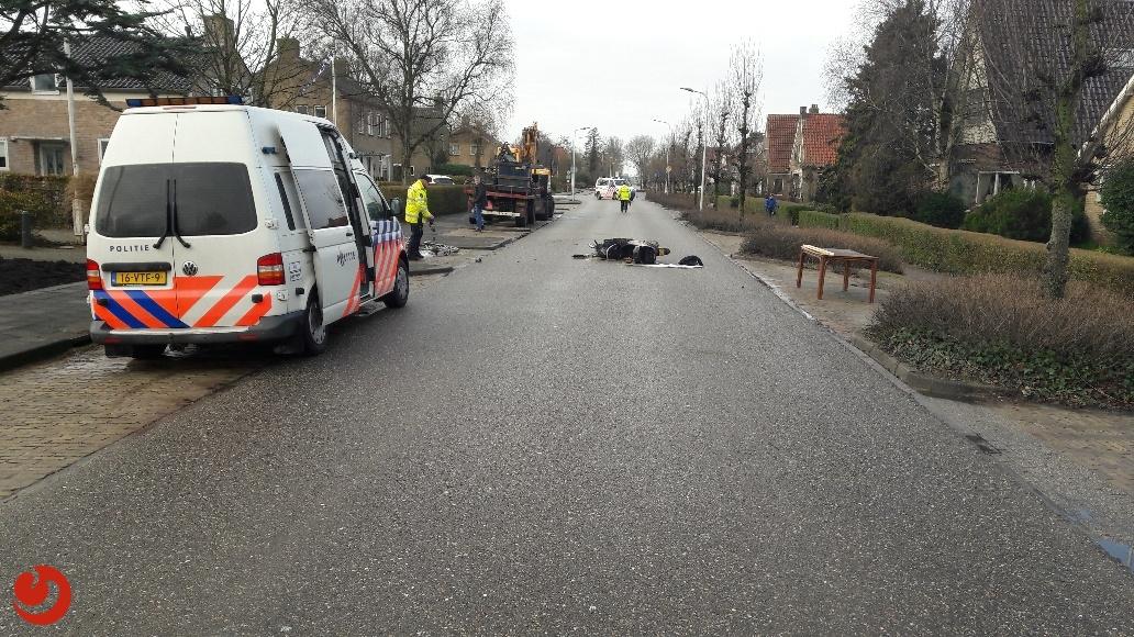 Twee gewonden bij botsing tussen scooter en fiets