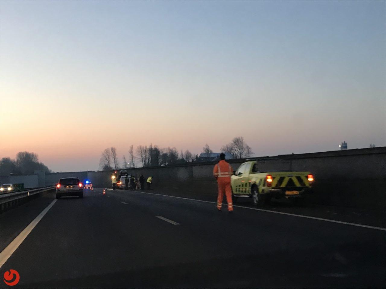 Ongeval met twee auto's zorgt voor lange file