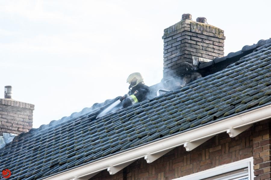 Uitslaande brand verwoest zolders