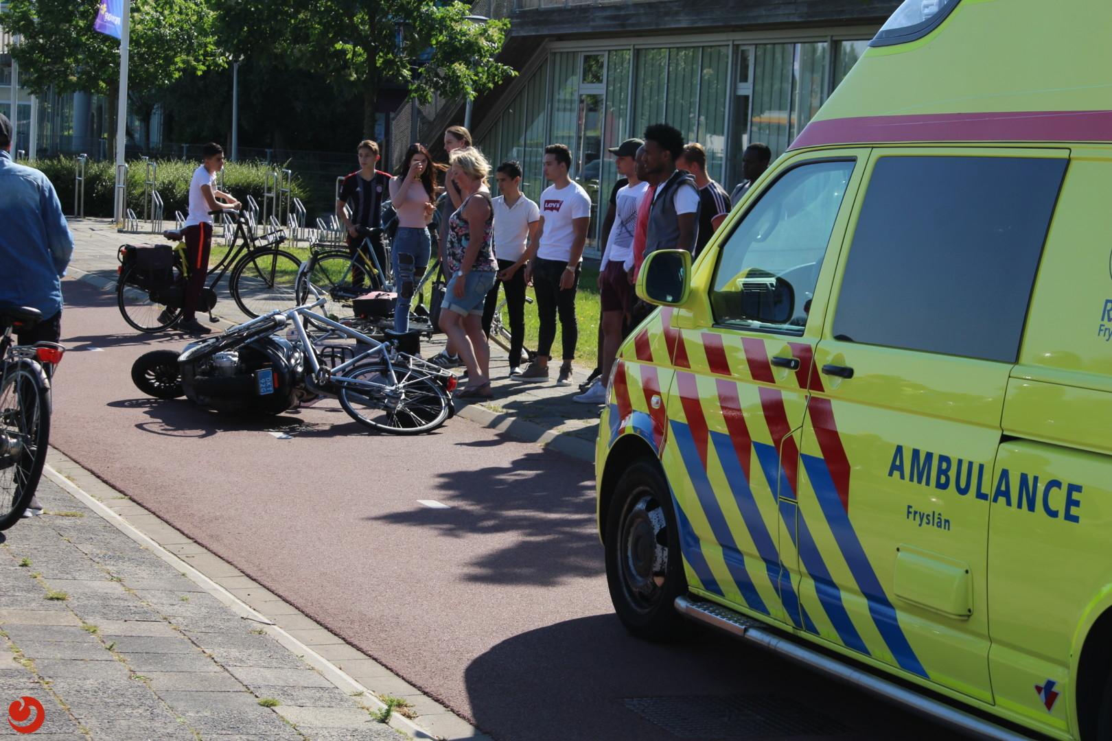Snorfietser in botsing met fietser