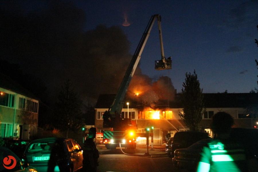 Bovenverdieping van woning verwoest door brand