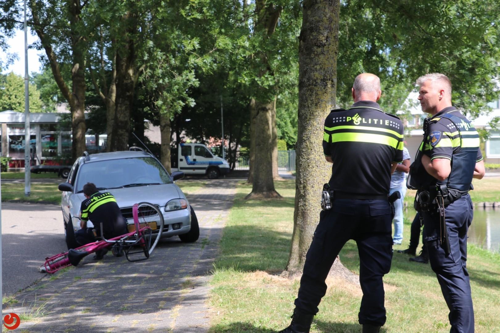 Fietsster gewond bij botsing met auto