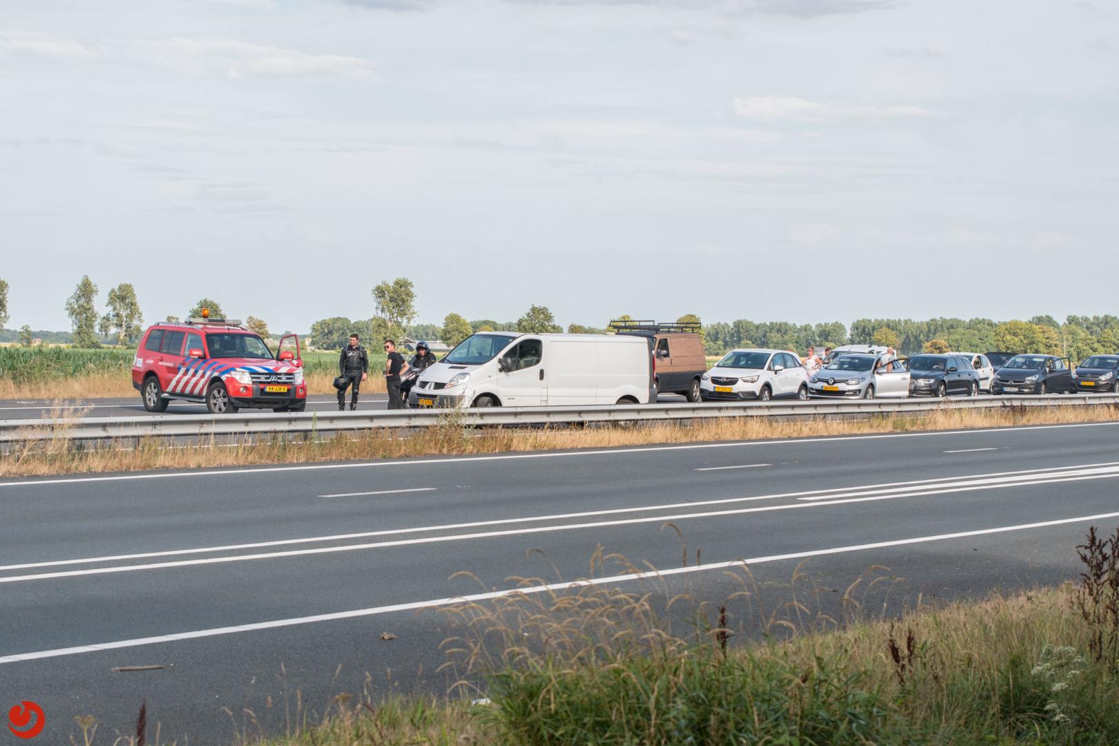 Twee rijstroken afgesloten na ongeval