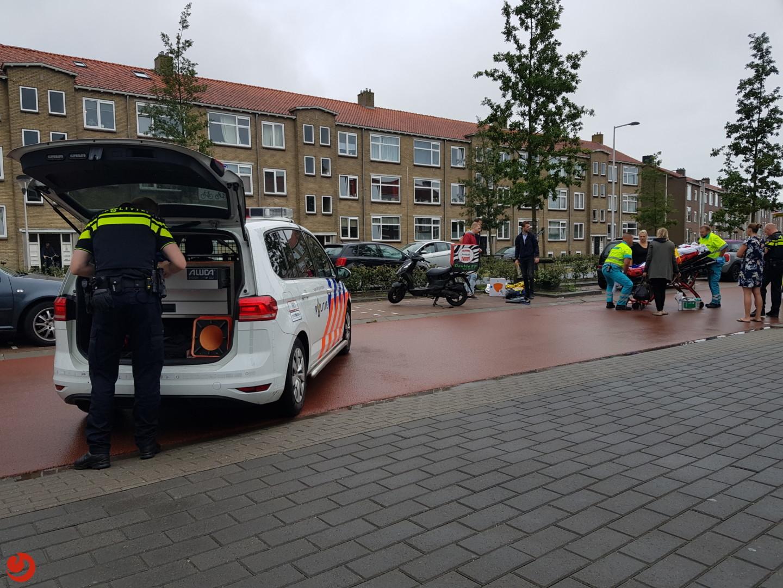 Bezorgscooter in botsing met voetgangster