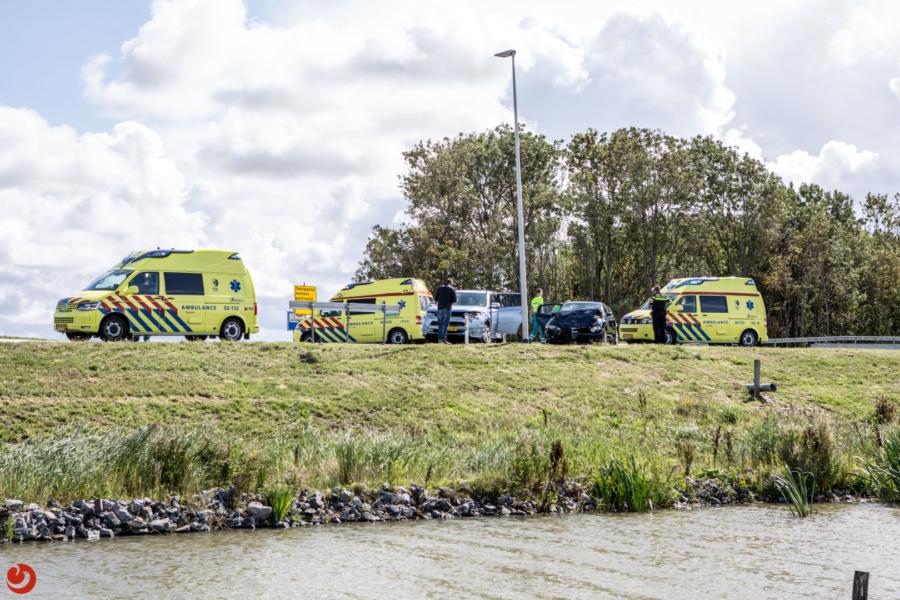 Meerdere personen gewond na aanrijding