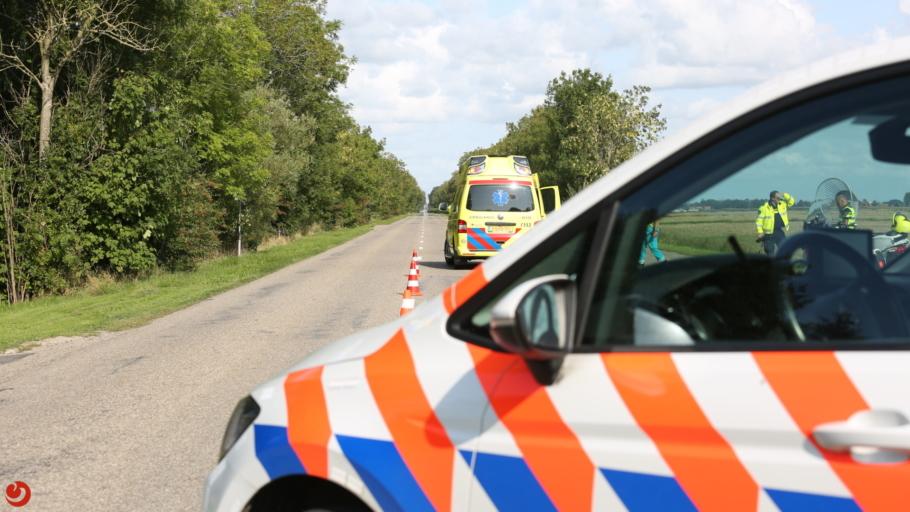 Bromfietser overleden na oversteken 80 km-weg