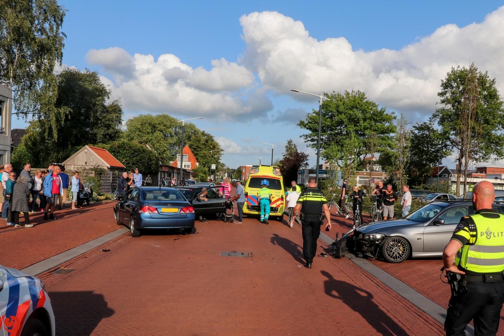 Eén gewonde bij ongeval met vier auto's