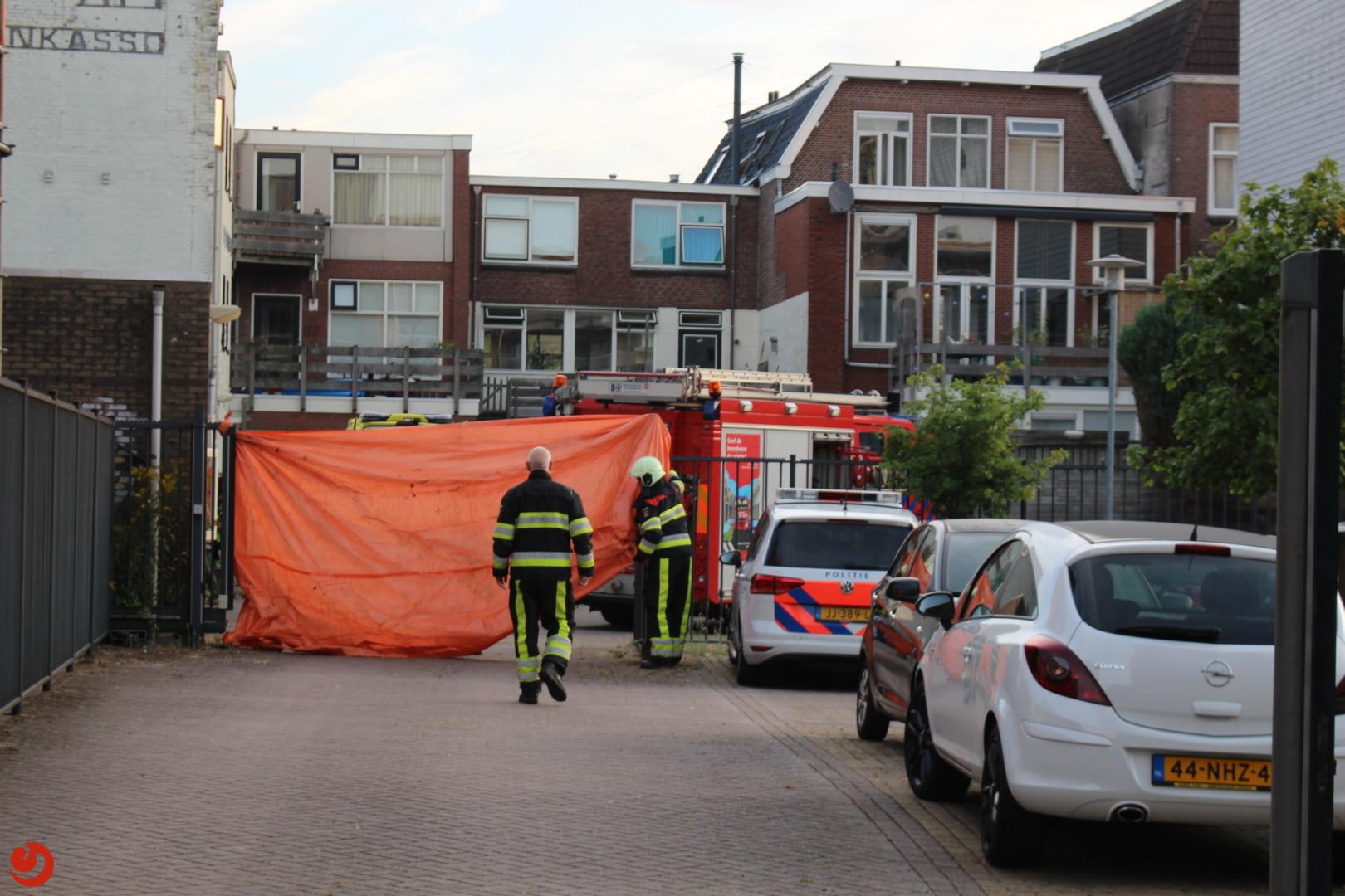 Vrouw gewond na brand in woonkamer