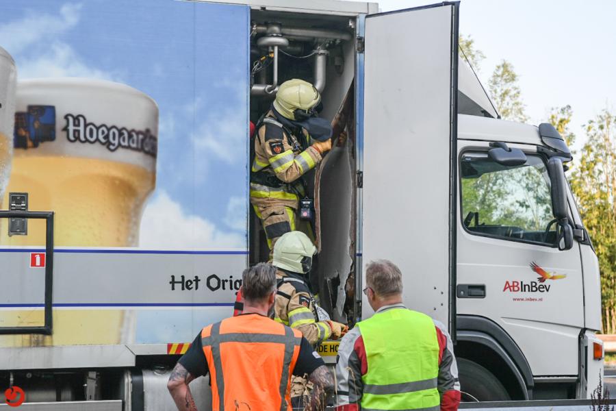 Brand in vrachtwagen met bier