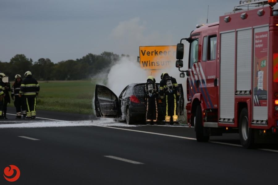 Snelweg dicht door autobrand