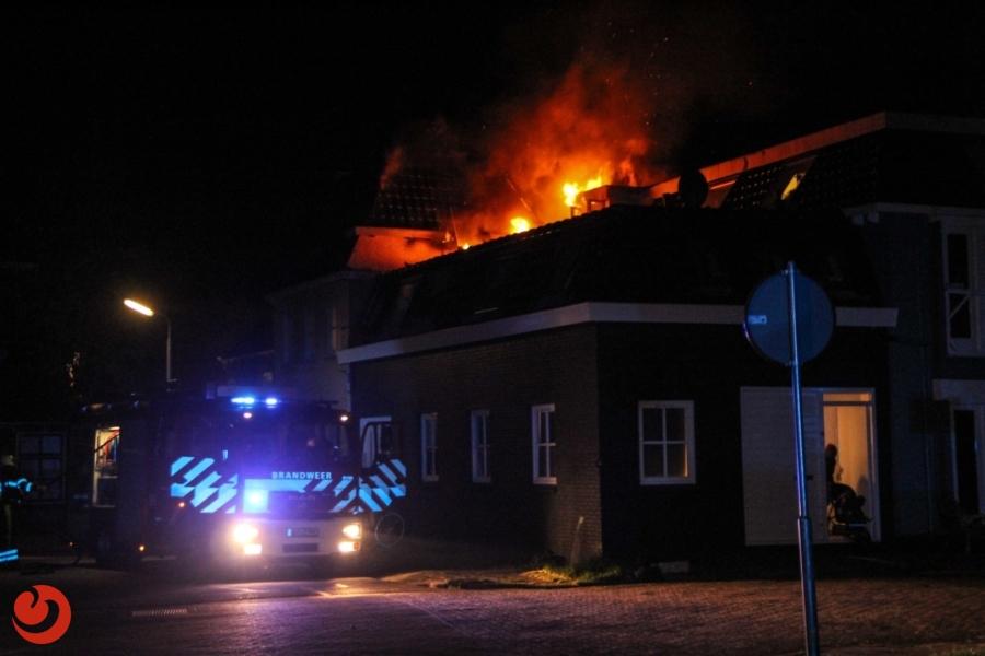 Woningen ontruimd bij uitslaande brand