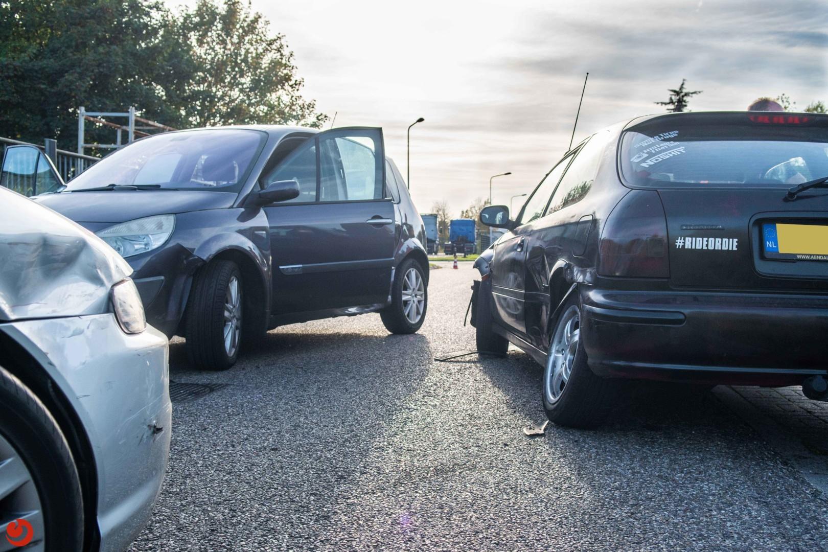Drie auto's beschadigd bij ongeval