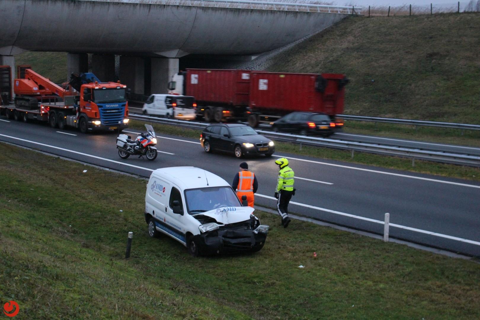 File door kop-staart ongeval met vrachtauto