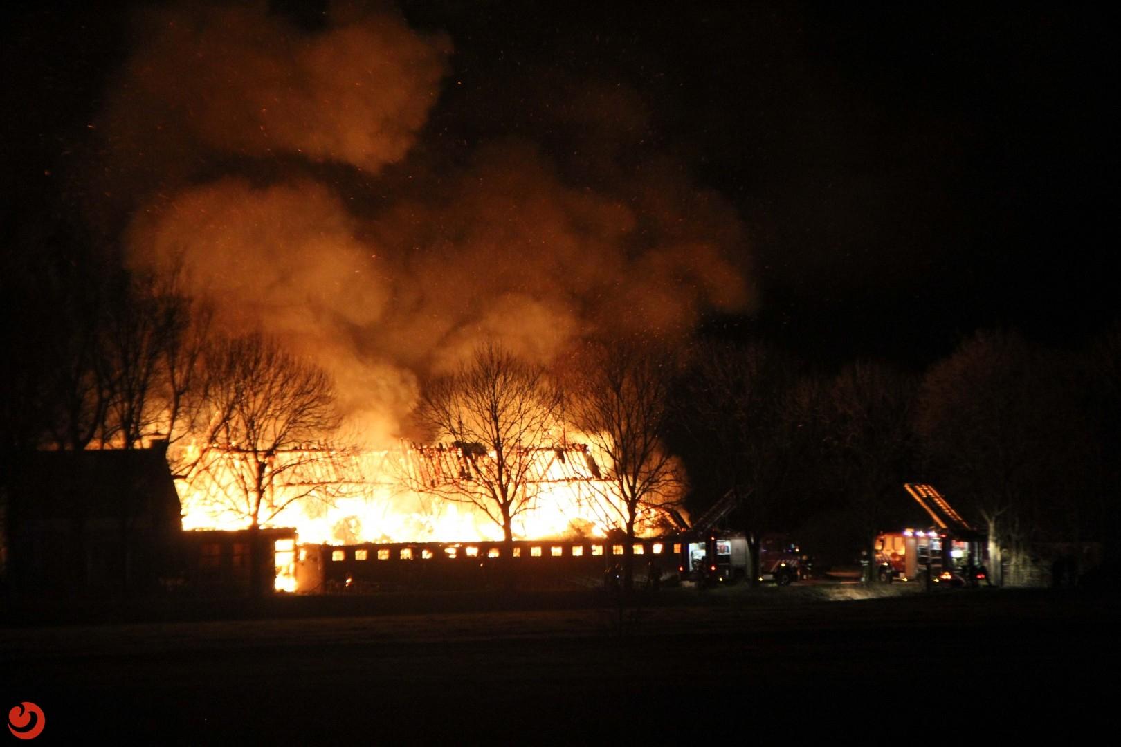 Grote brand verwoest boerderij