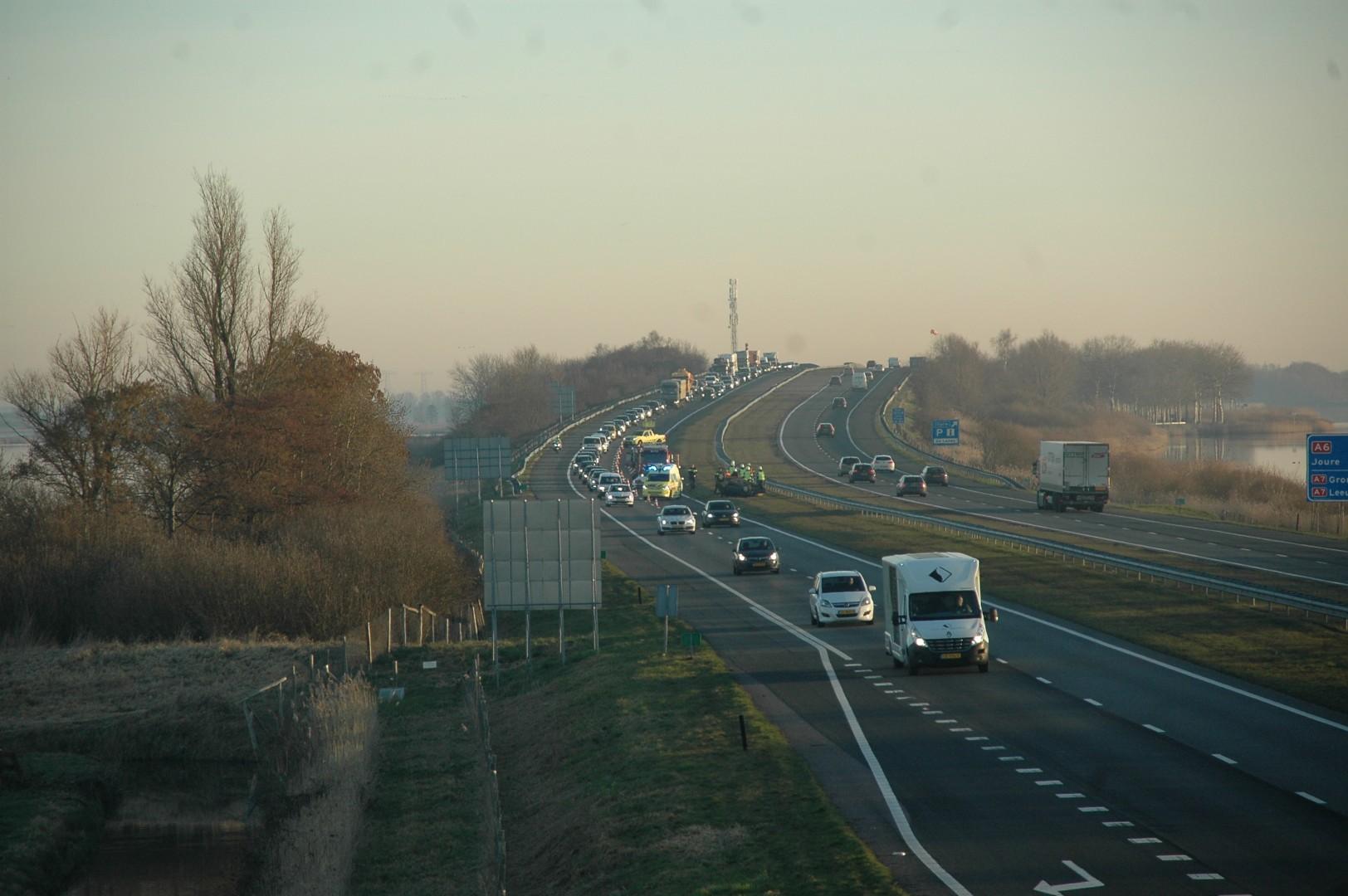 Verkeershinder A6 door ongeval