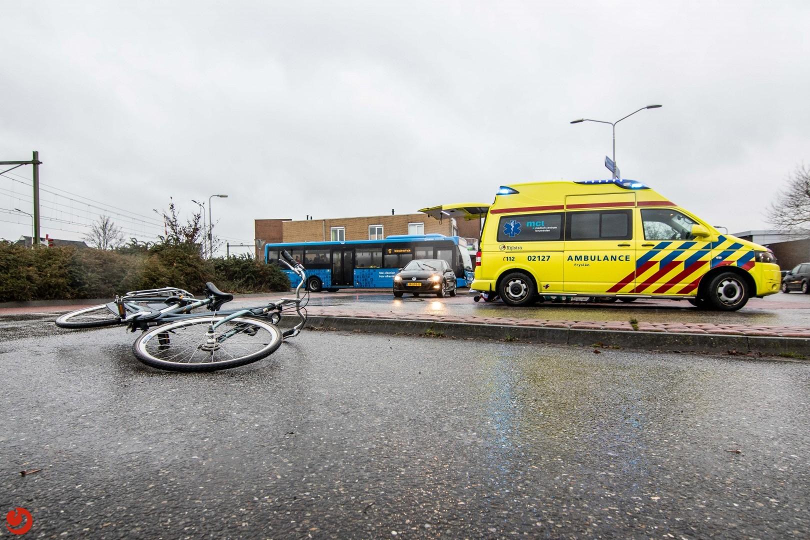 Scholiere aangereden op rotonde bij Lidl