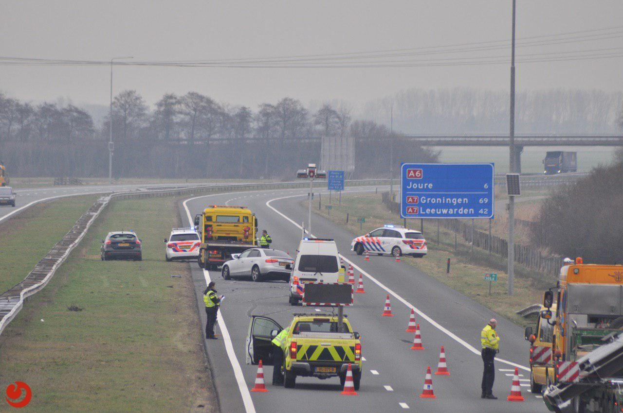 Lange file door ongeluk op de A6