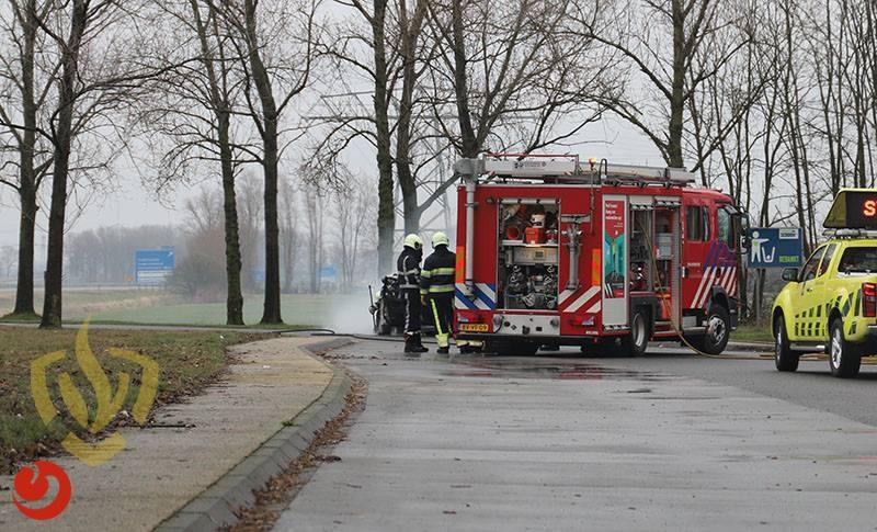 Auto uitgebrand op parkeerplaats A7